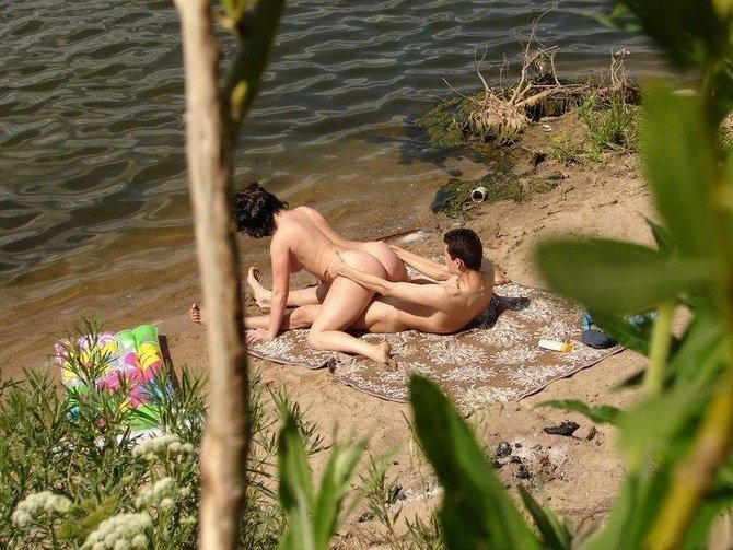 hidden camera couple naked at the nude beach