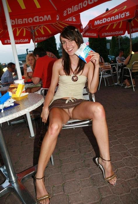 Vip Pornteenager Kinky Girls Accidentally Naked In Public