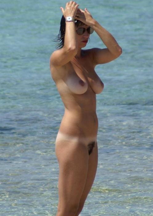 A Nudist Wife at the Beach