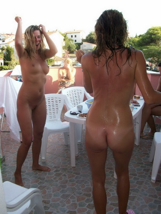 Outside in the nude enjoy erotic