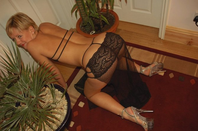 Russian wife posing naked